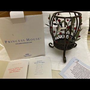 5298 Princess House Winter Vine L&B Candleholder
